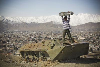 Default_murza%20stands%20of%20a%20destroyed%20tank%20overlooking%20kabul