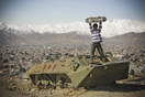 Thumb_murza%20stands%20of%20a%20destroyed%20tank%20overlooking%20kabul