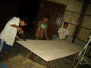 Thumb_community_members_preparing_the_plywood_as_molding_blocks